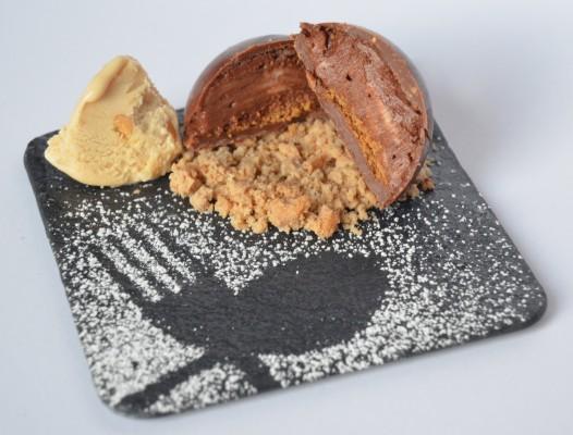 Semiesfera de Chocolate y Avellanas