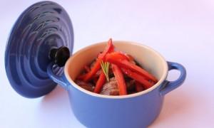 Lascas de Ternera, Soja dulce y Pimientos glaseados