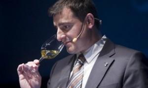 Mejora en la venta de vinos (I) El Sumiller como ayuda en tiempos de crisis