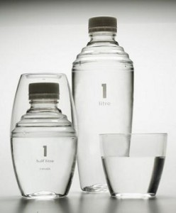 Agua 1 litre procedente de Canadá