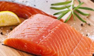 ¿Cómo salar salmón en casa?