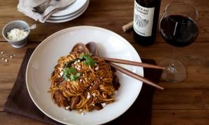 Pasta Linguini con Cerdo en Salsa de Tres Chiles