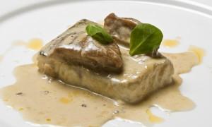 Merluza confitada con su Pil-Pil de Hongos del Top Chef Miguel Cobo