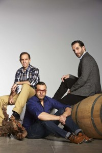 Los hermanos Sandoval: el sumiller Rafael, el jefe de sala Juan Diego y el cocinero Mario (i-d). efe