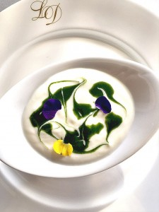 Yogurt natural con clorofila de Menta