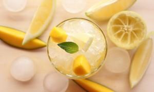 Limonada de mango y tónica