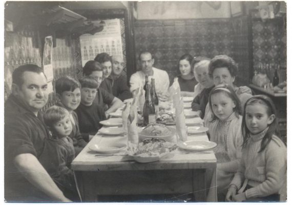 Martín Berasategui junto su familia en el Bodegón Alejandro