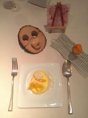 Helado frito de calabaza; Papel violeta; y Cup cakede turrón