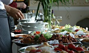 Buffet de complementos, una pieza importante en el buffet de hotel