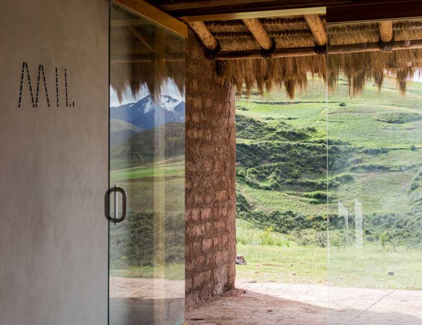 Interior del restaurante Mil. Foto: César del Río