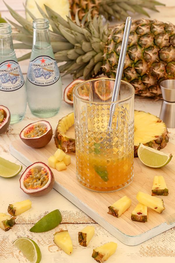 Gin Tonic de Maracuyá y Piña