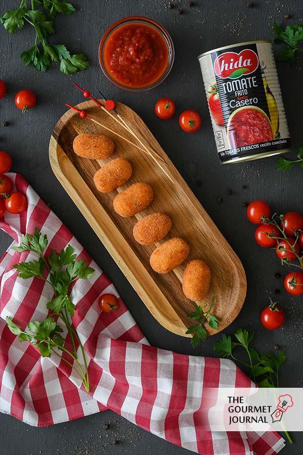 Croquetas de Bacalao con Tomate