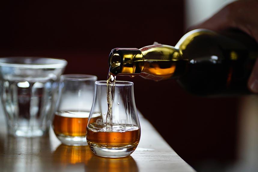 Las primeras pruebas se basaron en whiskys de 12, 15 y 18 años